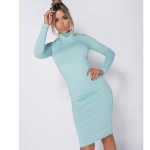 Mint long sleeve long dress